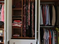 Maximising wardrobe storage with adjustable shelves.