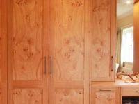Dressing room to match shaker style oak bedroom.