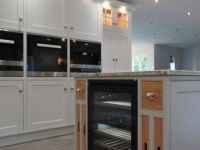 Painted inframe shaker kitchen with oak details.